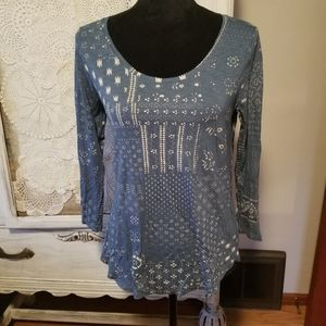 Lucky brand top in blue and creme Size S